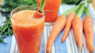 kick-start your day a fresh and healthy juice or smoothie recipe.
